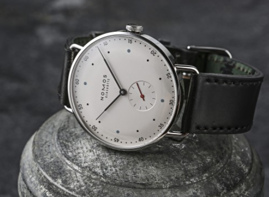 Replica NOMOS METRO 38 Hand Wind Watch Review