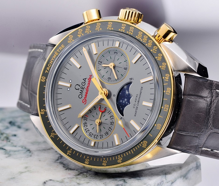 Replica Omega Speedmaster Moonphase Co-Axial Master Chronometer Review