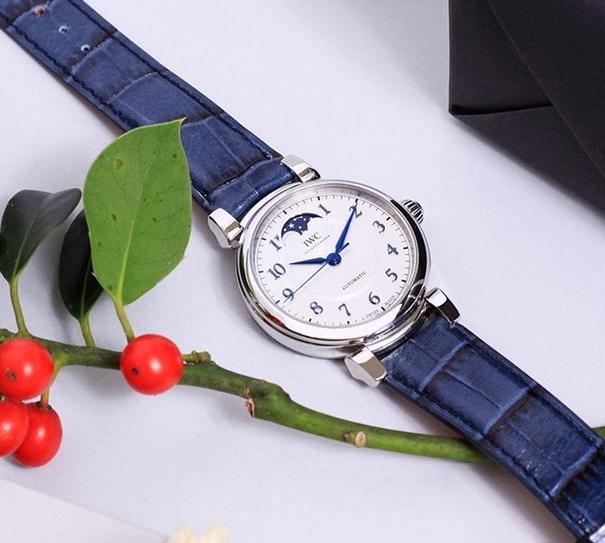Replica IWC Da Vinci Automatic 36 Watch Review