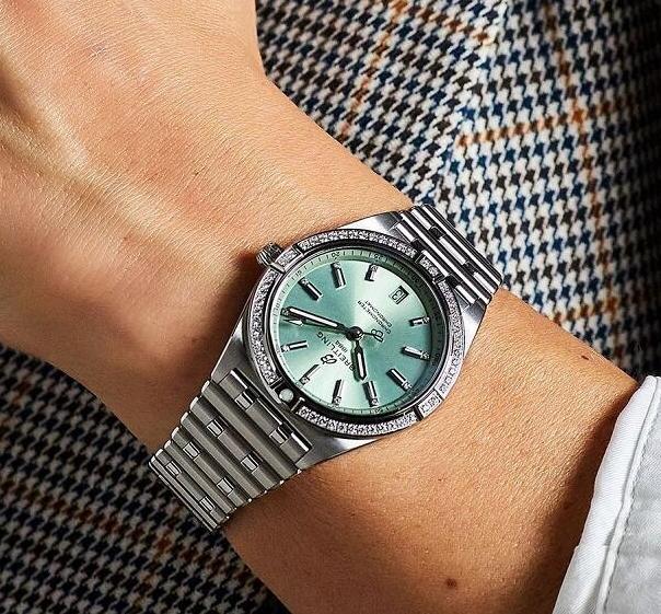 Replica Breitling Chronomat 36mm Women's Watch A10380591L1A1 Review
